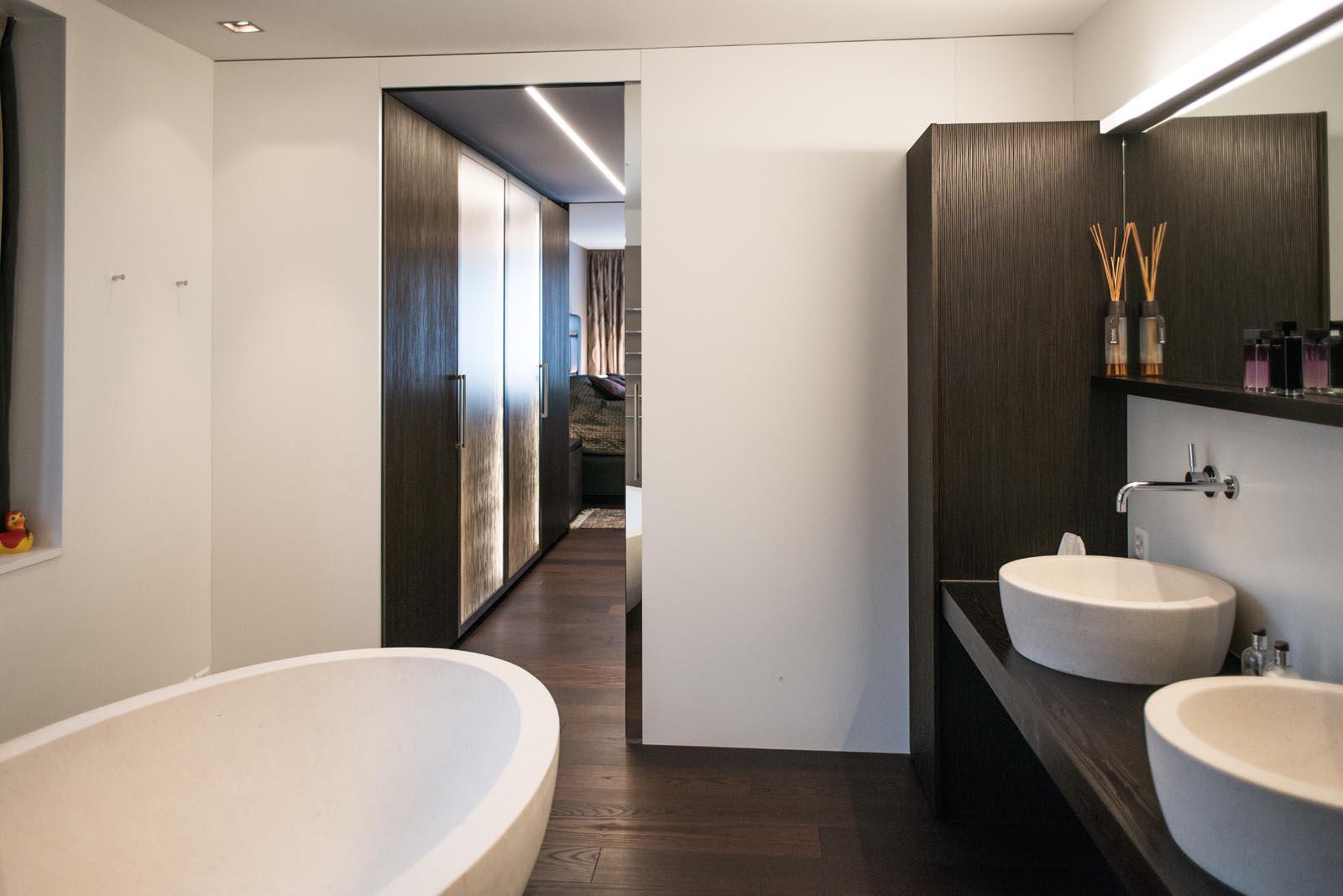 Urbanes Design mit moderner Innenarchitektur in Zug | Regula Hotz ...