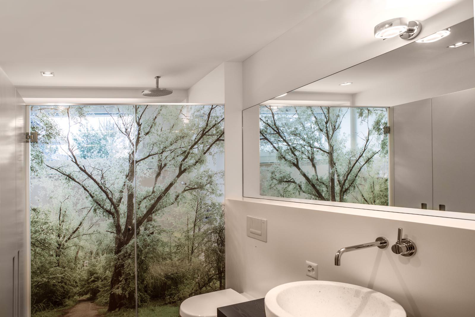 raumgestaltung im bad aussen und innen fotografisch
