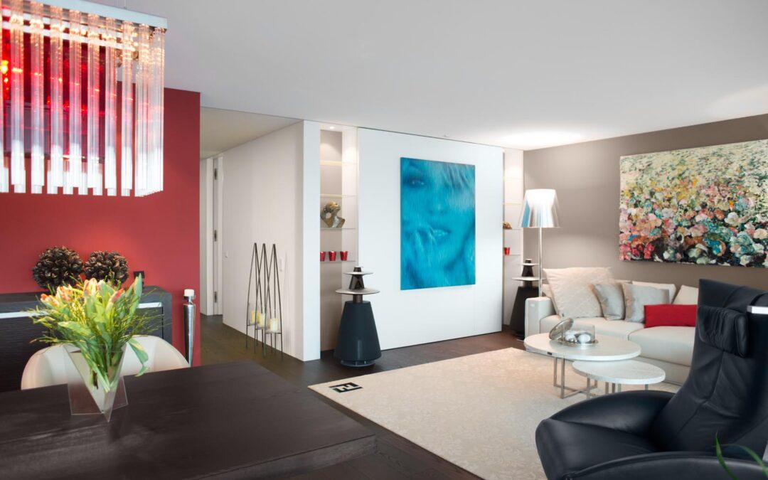 Den Raum neu definieren – mit einer Schiebewand zur gemütlichen Fernsehecke
