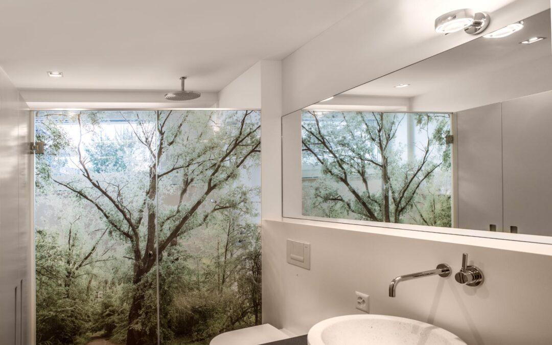Raumgestaltung im Bad – Aussen und Innen fotografisch kombiniert